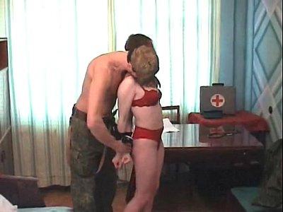 Pornohub enfermeira sendo forçada a transar com soldado tarado