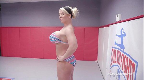 Filme de sexo cavalona transando dentro do ringue