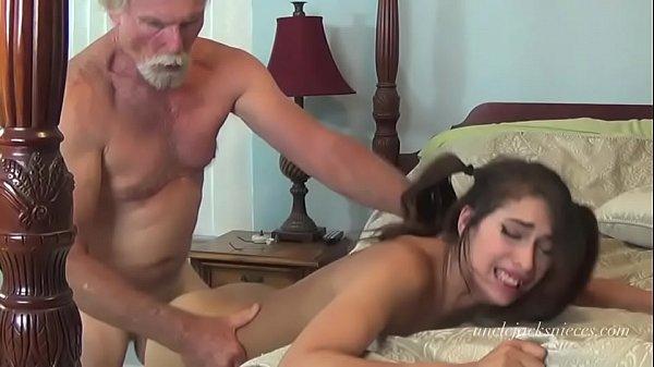 Porno baiano com vovô socando a rola na netinha gostosa