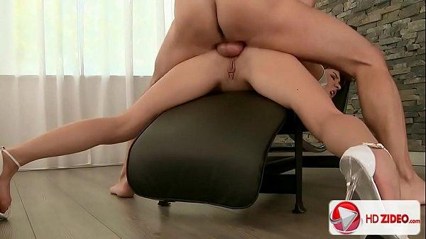 Videos de sexo anal safada tomando fundo no cu